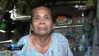 Nenek Ini Hidup di Rumah Panggung Beratap Terpal