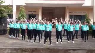 Nhảy dân vũ (flashmob) WHAT MAKES YOU BEAUTIFUL + BOMBASTIC - 12A7 THPT LĂK (20/11/2016)