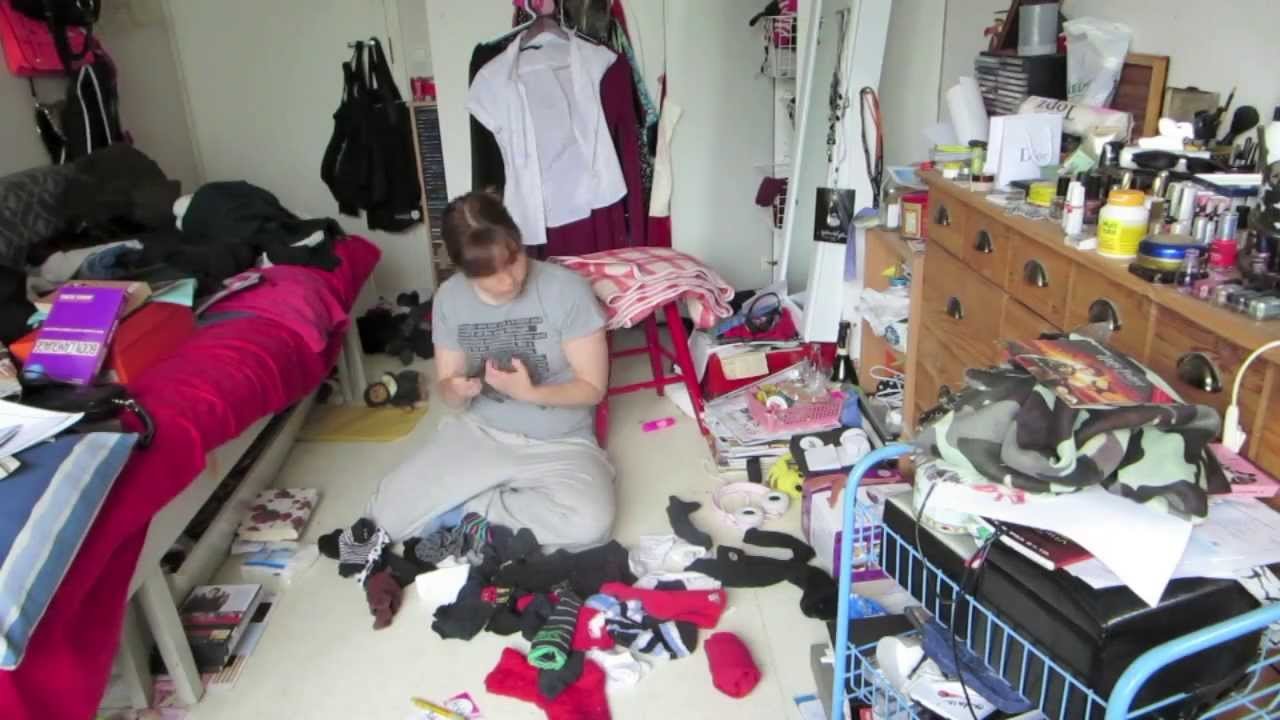 How To Clean A Messy Room In  Minutes
