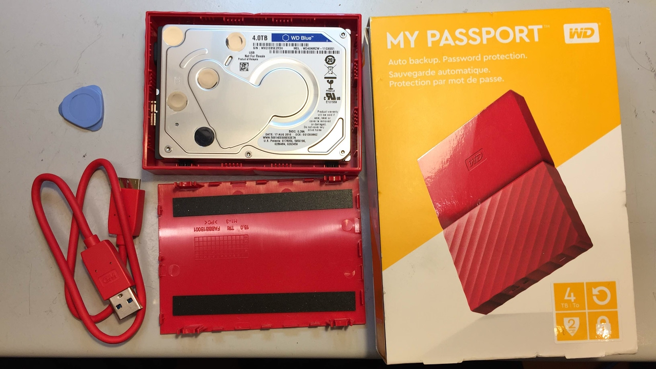 WD my passport USB harddisk case opening  The drive has no SATA interface  anymore