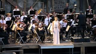 Sharleen Joynt sings the Frühlingsstimmen (Voices of Spring) Waltz by Johann Strauss II