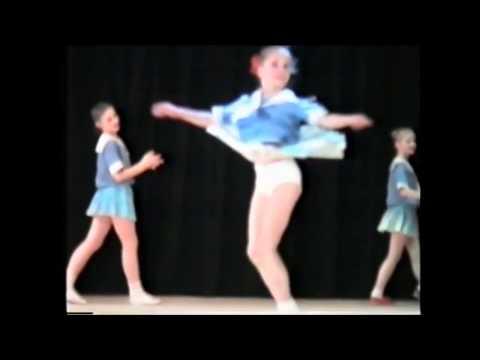 Дети танцуют Матросский танец.Прикольно. / Sailor Children Dance.Nice