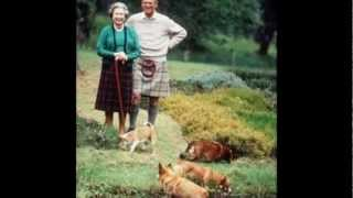 The Queen And Her Dogs. Pets4ever