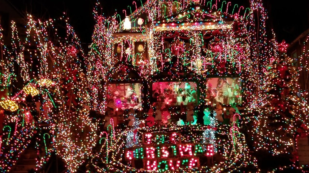 Extreme Christmas Lights Amazing Holiday Display Warning Small Spaces And Anxiety Trigger