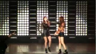 SMTown Live NY Jessica (SNSD Girls Generation) Krystal f(x) Tik Tok [111023] [fancam]