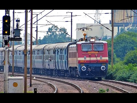 [IRFCA] Mumbai - Howrah Mail Meets Howrah - Ahmedabad Express