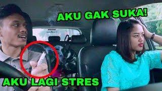 Download Video PRANK NGEROKOK DEPAN PACAR !!! EHH KOK MALAH... MP3 3GP MP4