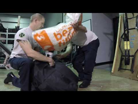 How to fill a bean bag chair. MESS FREE! 4 minutes and you get it