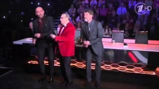 с 8 марта!!! Ведущие Первого канала танцуют!