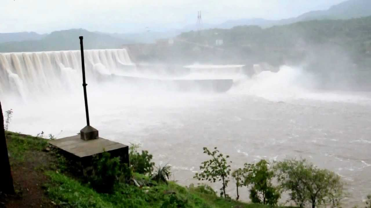the sardar sarovar dam Several villages, including low-level areas in nisarpur town, were submerged on  friday as the sardar sarovar dam water level rose to 1283.