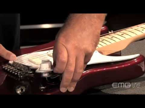 David Gilmour, Signature Pickup installation on EMGtv - YouTube