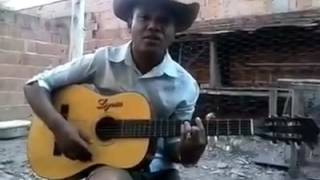 voz perfeito então Canta muito!!! que pena que ainda não saiu na TV cantor sertanejo Edson