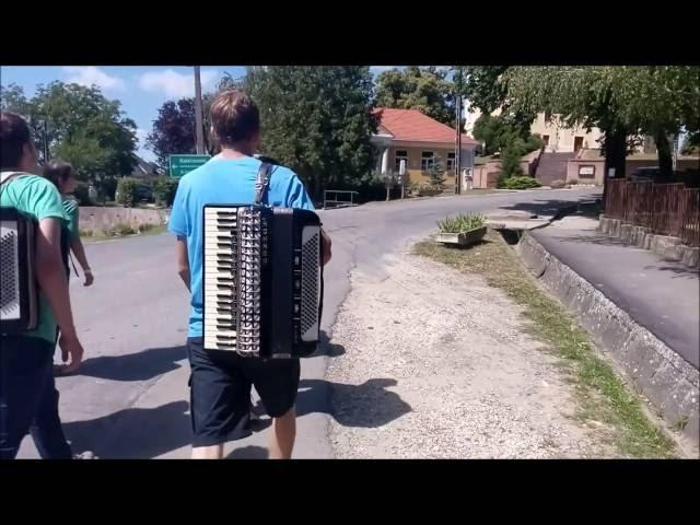 2016 Méta tábor, A harmonikások reggele...