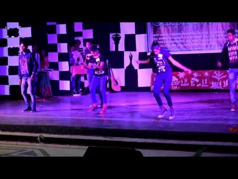 Nagpuri dance-Mere college ki wo to ladki hai,Gadi motor car