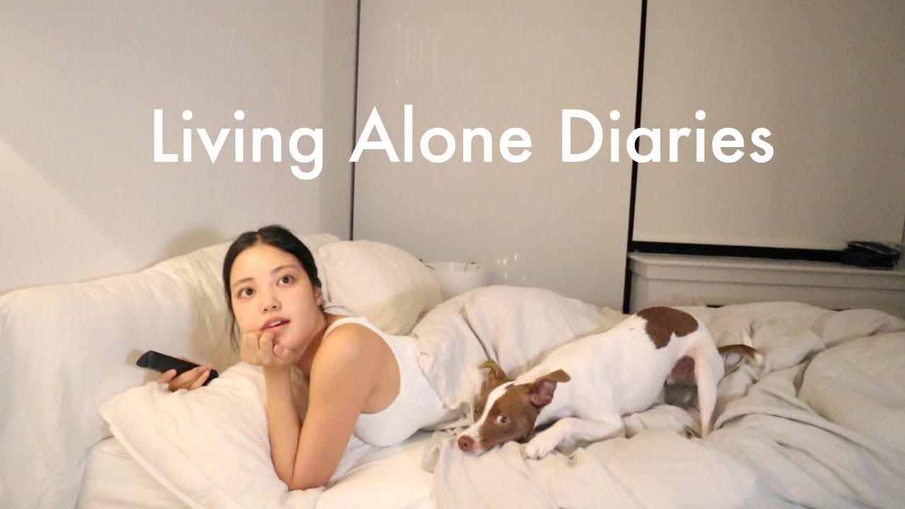 Living Alone Diaries | Chaotic girls night in, feeling unattractive slump, car mukbang!