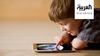 فيديوجراف.. أعراض متلازمة الشاشات الإلكترونية