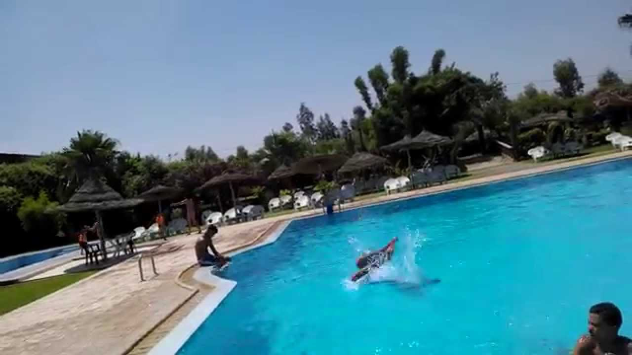 Piscine zaki berkane youtube for Piscine club piscine