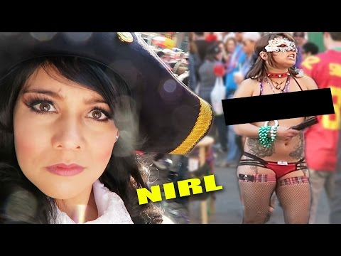 LOOKING FOR BOOBS AT MARDI GRAS