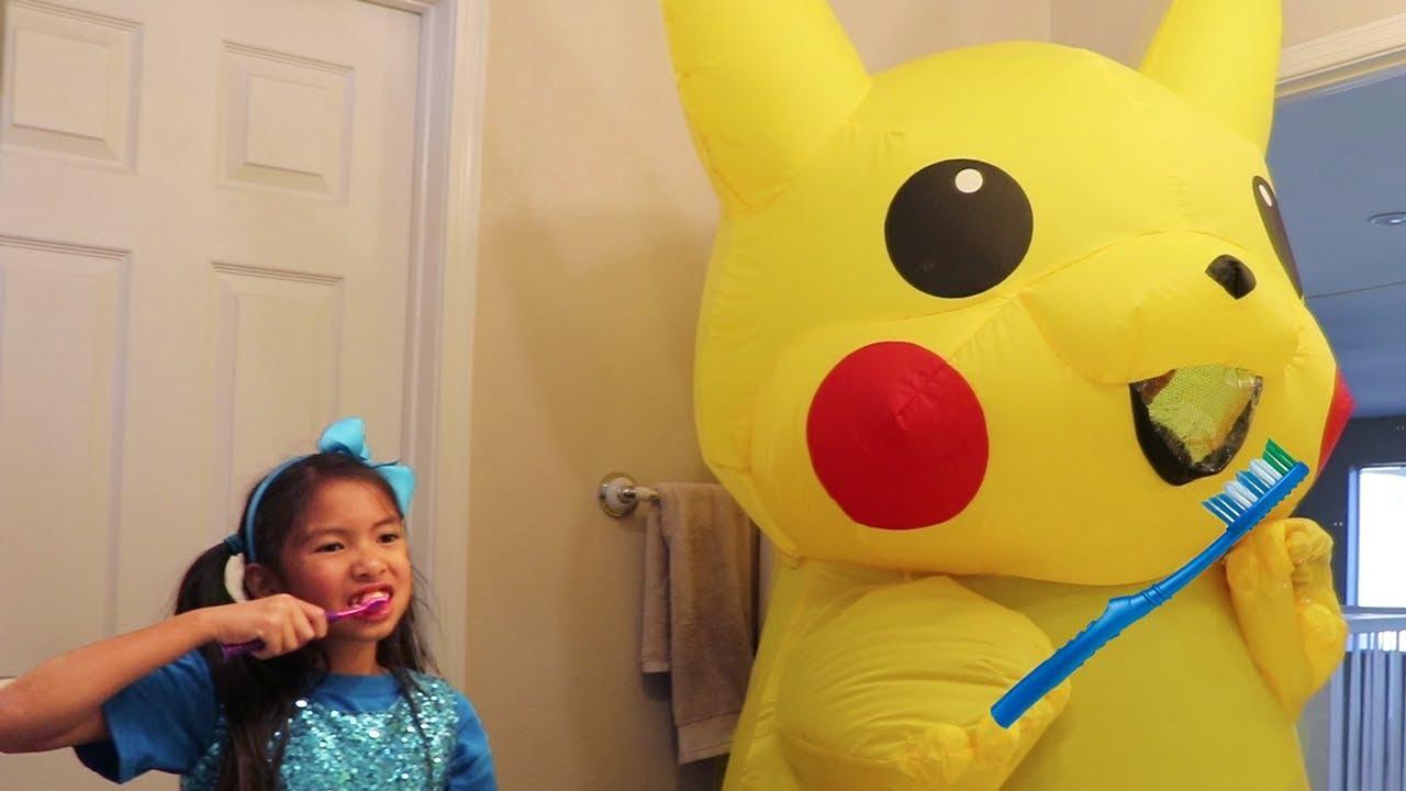Wendy Pretend Play Morning Routine Brushing Teeth w Giant Pikachu Pokemon