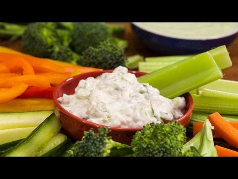 Delicious Dips: Chunky Blue Cheese Dip by Audrey Johns | Rachael Ray Show