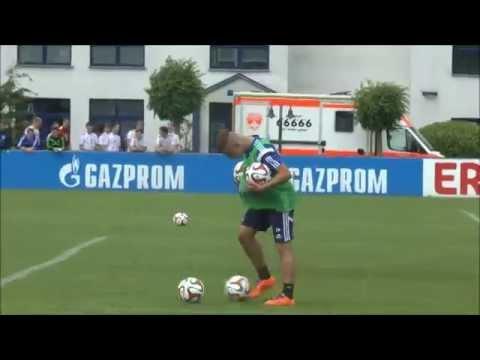 Schalke Training mit Donis Avdijaj 05.07.2014