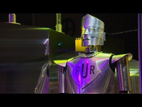 London museum celebrates 500 years of robots