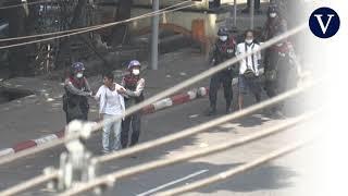 Continúa la represión violenta en las protestas contra el golpe de Estado en Birmania