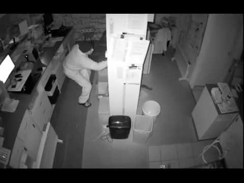 CCTV Footage of Pharmacy Burglary in Pascoe Vale
