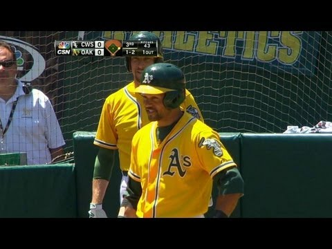 Coco Crisp gets distracted by bird, takes strike