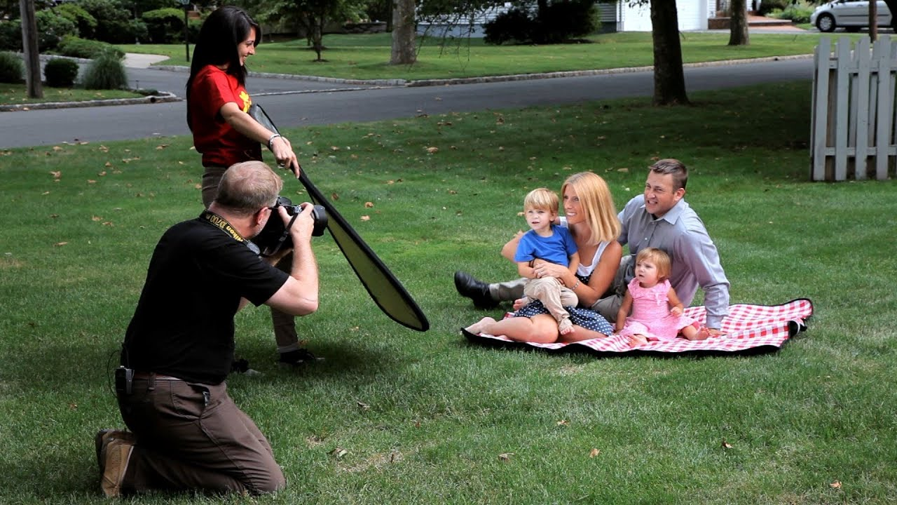 How To Shoot Family Portraits Outdoors