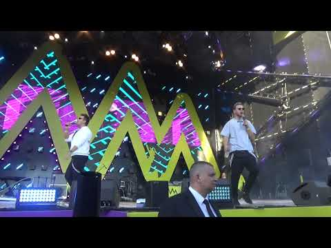 Красавцы Love Radio – Плащ(#ЭтоМАЁ,#МаевкаЛайв2019,Парк Сокольники,18.5.19)