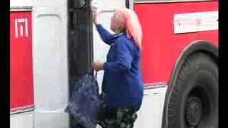 Беләәәт (бабушка в автобусе, татарское видео)