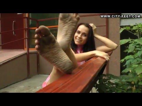 City-Feet.com - A tiny barefoot girl - Olga [4]