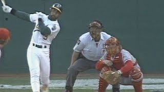 1990 WS Gm3: Baines blasts a two-run homer in the 2nd