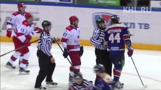 Datsyuk hits Artyukhin / Дацюк встречает Артюхина силовым
