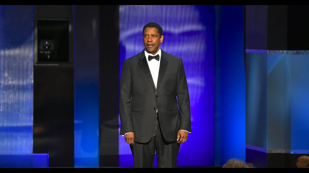 Download Denzel Washington's grand entrance at the 47th AFI Life Achievement Award Tribute