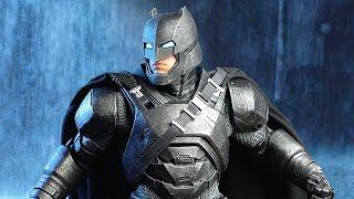 Статуэтка БЭТМЕНА по Бэтмену против Супермена!