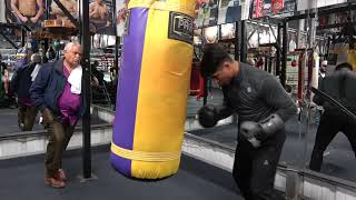 how-should-fox-into-mikey-when-he-walks-into-the-ring-vs-spence-esnews-boxing