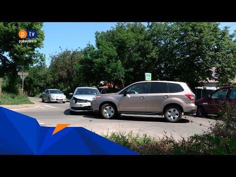 Аварійне перехрестя: на розі Героїв АТО та Матвієнка машини влітають у паркан