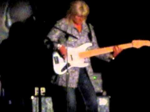 Lori Sykes playing bass