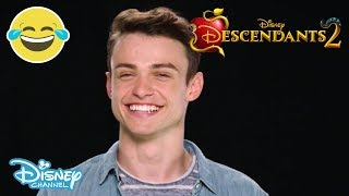 Watch the AWESOME Thomas Doherty (who plays Uma's bestie Harry Hook...