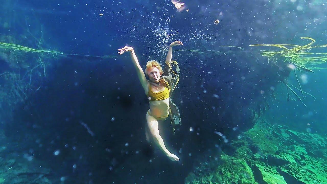 Cenote Muyal Tulum - underwater dance