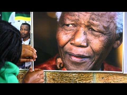 Barack Obama's South Africa visit dominated by Nelson Mandela's health