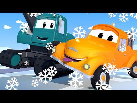 Эвакуатор Том - ЭКСКАВАТОР Эдгар гоняет по СКОЛЬЗКОЙ дороге! - детский мультфильм
