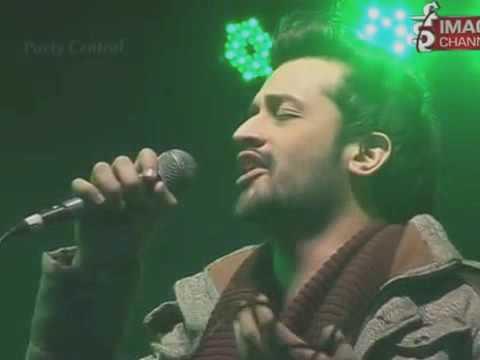 atif aslam in live show atif aslam vs arijit singh live performance 2016 gima award