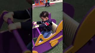 Toddler songs 👶🏻Playing at the park👶🏻please subscribe more videos to come😍porfavor suscribase