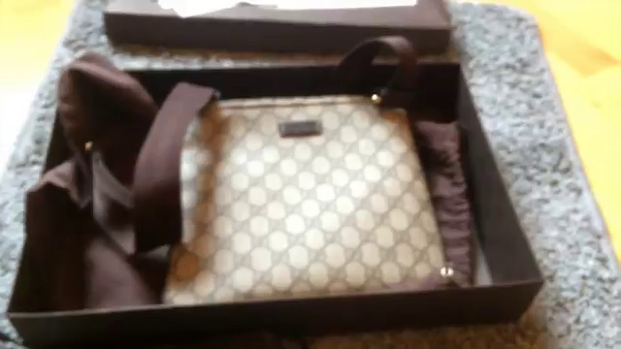 d650d3becb9 Gucci Messenger Bag Small Unboxing - Beige Ebony - Supreme GG - YouTube