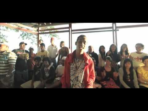 Ambonwhena Ft. Sageru & Agil - Maluku Panggil Pulang