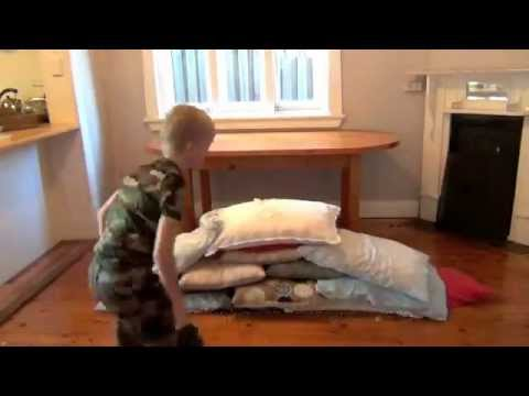 & How to make a pillow fort - YouTube