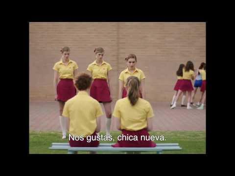Trailer de La chica dormida (Girl Asleep) subtitulado en español (HD)